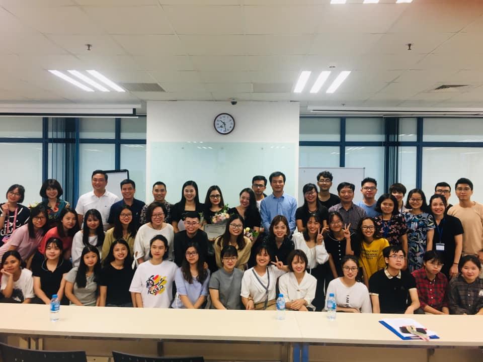 Khoa Marketing tổ chức phổ biến kế hoạch thực tập tốt nghiệp và gặp gỡ đại diện doanh nghiệp cho sinh viên các Chuyên ngành Khóa 58